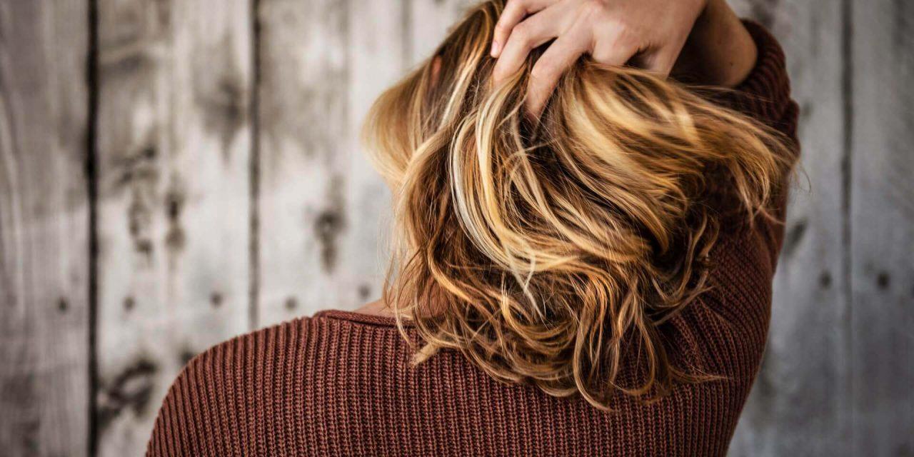 6 façons simples de garder vos cheveux en bonne santé à la maison