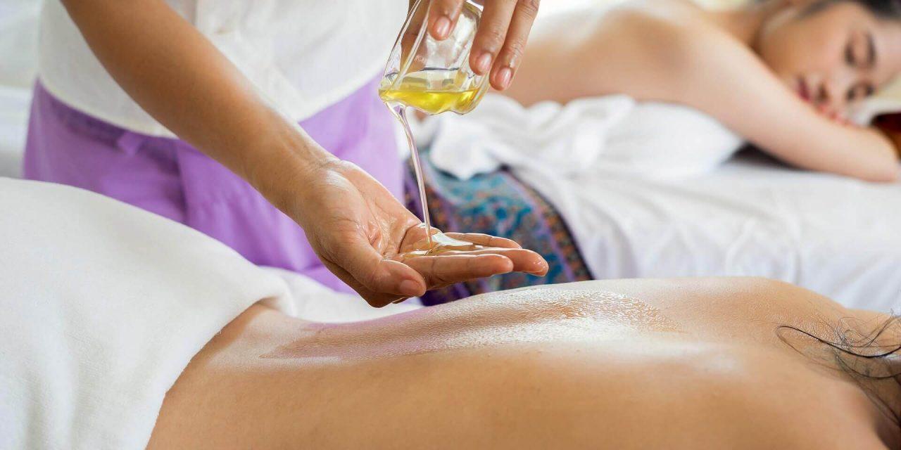 Avantages et précautions du massage par aromathérapie