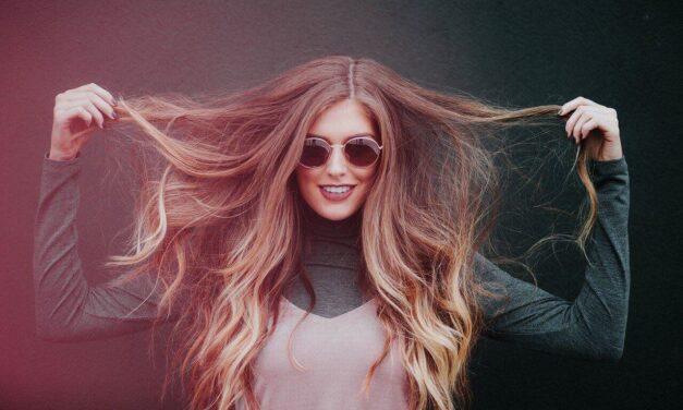 Comment obtenir des cheveux longs brillants et sains